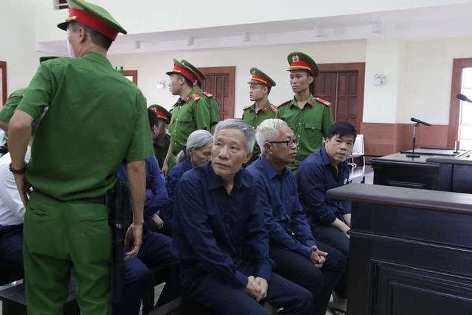 Hoãn phiên tòa xét xử Vũ nhôm trong đại án Ngân hàng Đông Á - Ảnh 4.