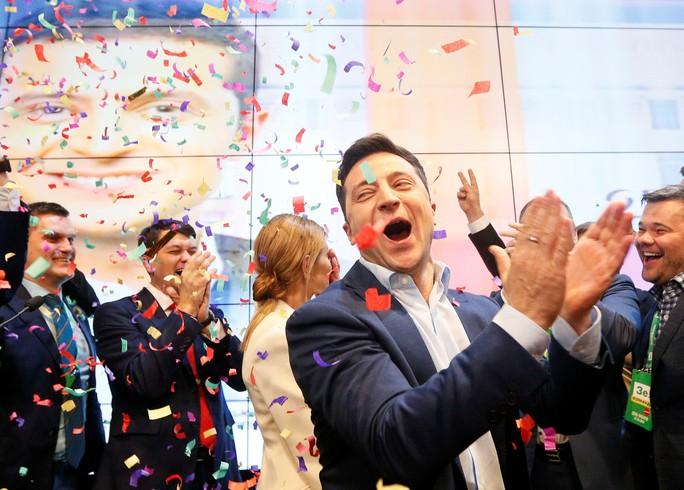 Tổng thống đắc cử Ukraine: Từ phim đến đời thật - Ảnh 1.