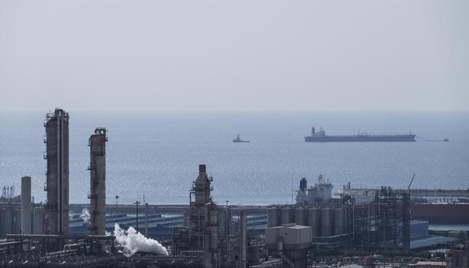 Cuộc chiến dầu Mỹ - Iran leo thang - Ảnh 1.