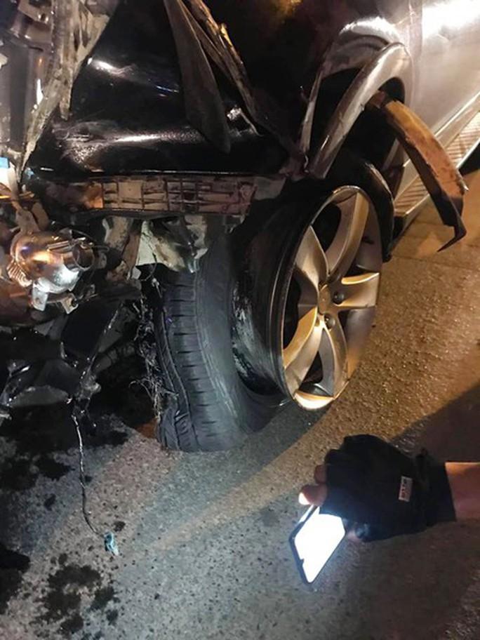 Xe điên gây tai nạn liên hoàn trên phố, nhiều người thương vong - Ảnh 4.