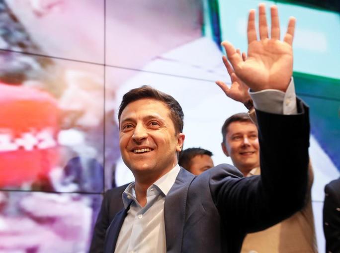 Tân tổng thống Ukraine muốn hợp tác, Nga bảo chờ đó - Ảnh 1.