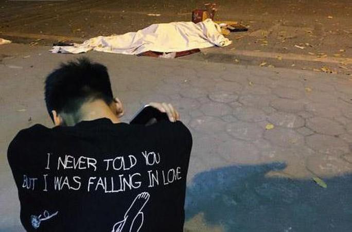 Ứa lệ trong đêm trắng ở căn nhà xập xệ của nữ công nhân môi trường tử nạn - Ảnh 3.
