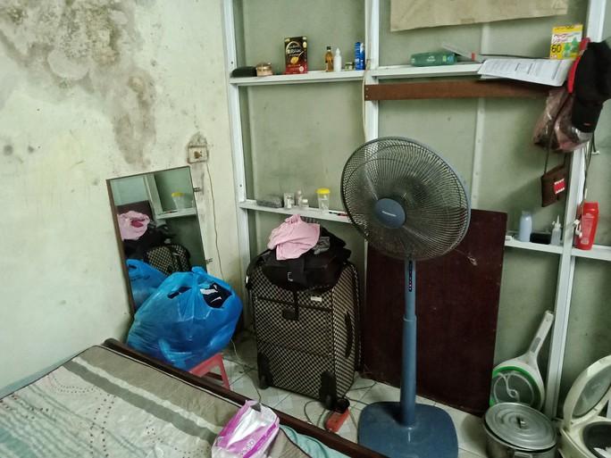 Ứa lệ trong đêm trắng ở căn nhà xập xệ của nữ công nhân môi trường tử nạn - Ảnh 12.