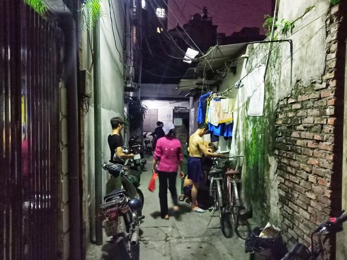 Ứa lệ trong đêm trắng ở căn nhà xập xệ của nữ công nhân môi trường tử nạn - Ảnh 6.