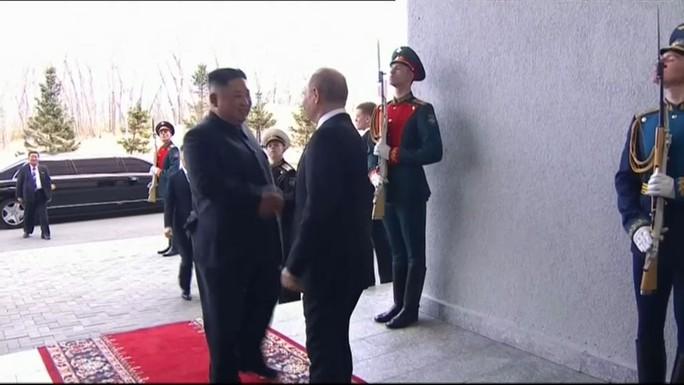 Hai nhà lãnh đạo Nga, Triều Tiên hội đàm - Ảnh 2.