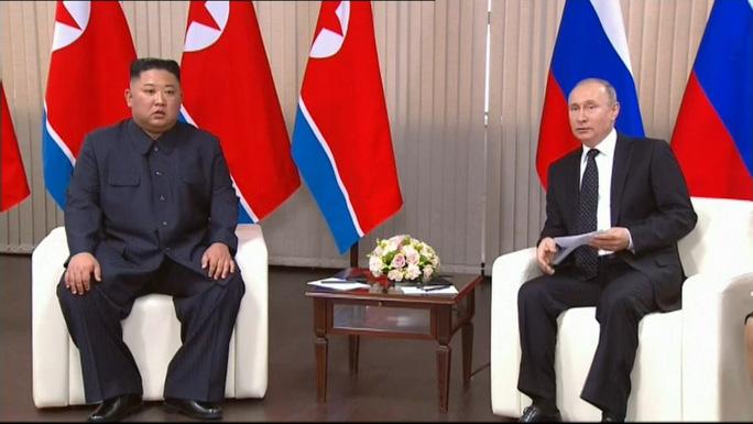 Hai nhà lãnh đạo Nga, Triều Tiên hội đàm - Ảnh 1.