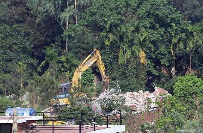 Hà Nội đang cưỡng chế công trình kiên cố vi phạm ở Sóc Sơn - Ảnh 7.
