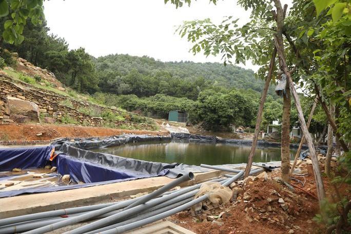Hà Nội đang cưỡng chế công trình kiên cố vi phạm ở Sóc Sơn - Ảnh 5.