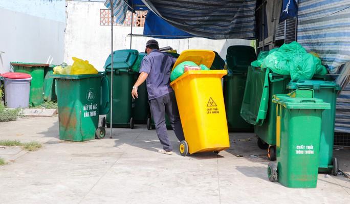 Vụ hơn 300 thi thể thai nhi ở nhà máy rác: Lãnh đạo bệnh viện lên tiếng - Ảnh 2.