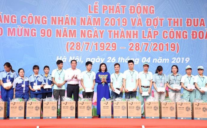 LĐLĐ TP Hà Nội: Nhiều hoạt động chăm lo cho công nhân khó khăn - Ảnh 7.