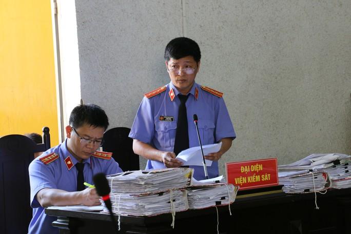Đề nghị tử hình nguyên cán bộ ngân hàng thụt két 114 tỉ đồng - Ảnh 2.