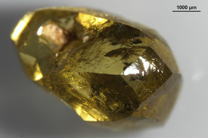 Viên kim cương xấu xí nắm giữ bí mật cổ xưa của trái đất - Ảnh 1.