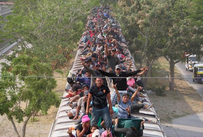 Mỹ định phá luật, gửi thêm quân tới biên giới Mexico - Ảnh 2.