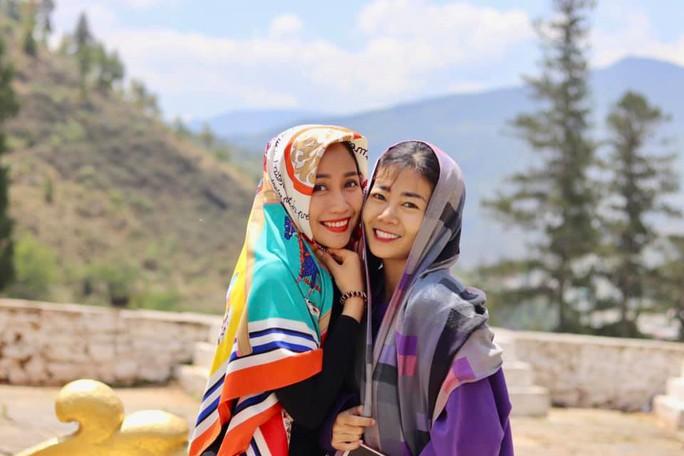 Diễn viên Mai Phương được Ốc Thanh Vân đưa đi Bhutan du lịch - Ảnh 1.