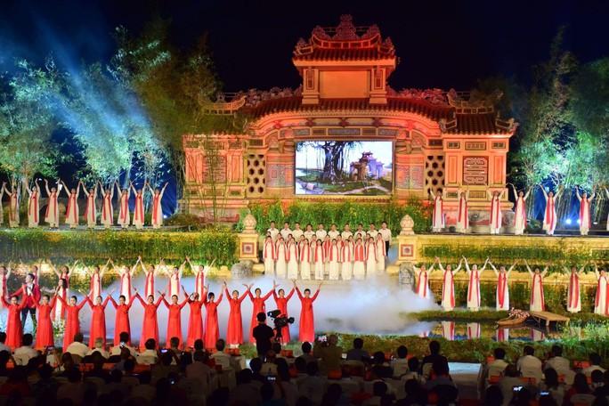 Khai mạc Festival nghề truyền thống Huế 2019 - Ảnh 1.