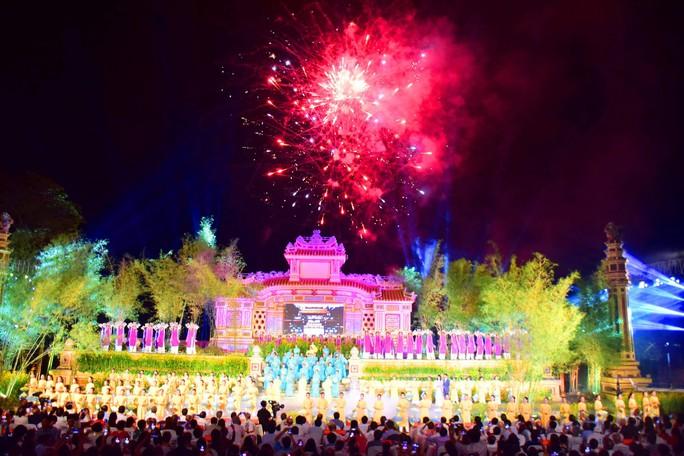 Khai mạc Festival nghề truyền thống Huế 2019 - Ảnh 2.