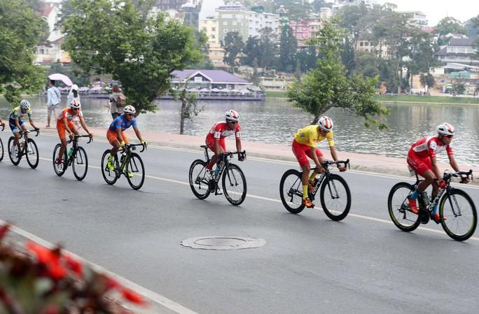 Ngô Văn Phương thắng chặng 14 - Áo xanh ngã ngũ - Ảnh 4.