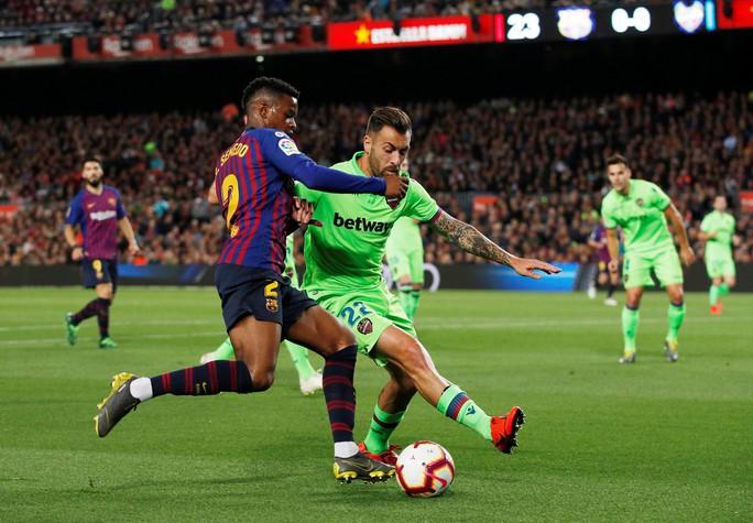 Messi rực sáng, Barcelona lên ngôi bá chủ La Liga - Ảnh 2.