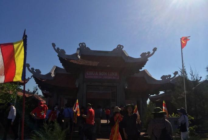 Đặc biệt lễ chào cờ ở Trường Sa của Việt kiều từ khắp nơi trên thế giới - Ảnh 18.