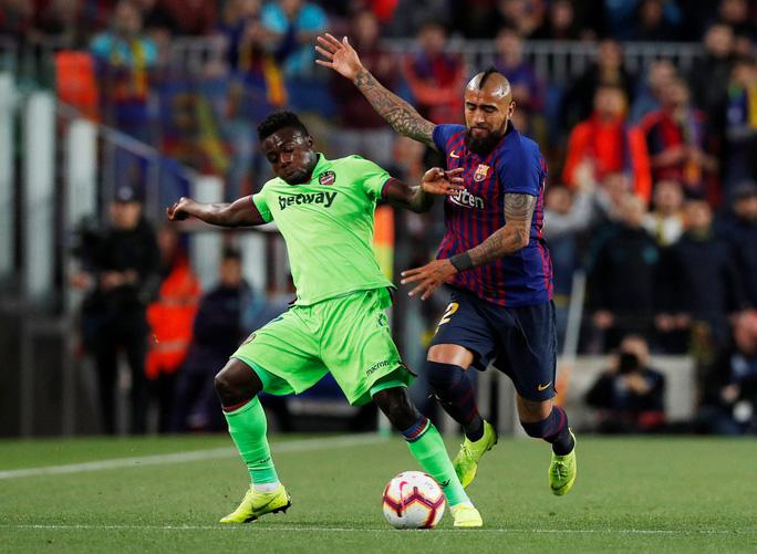 Messi rực sáng, Barcelona lên ngôi bá chủ La Liga - Ảnh 3.