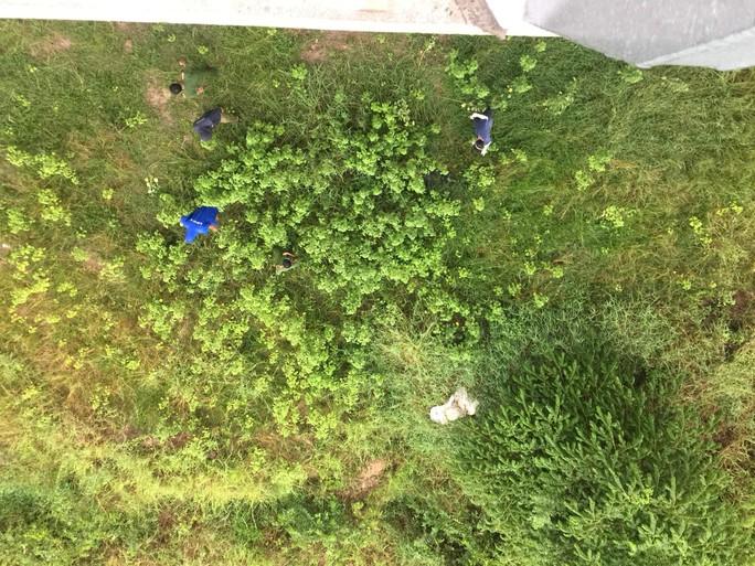 Lại phát hiện thi thể nam thanh niên tại cầu Cao Lãnh - Ảnh 2.