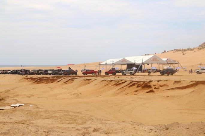 Quá hấp dẫn giải đua xe địa hình sa mạc ở Ninh Thuận - Ảnh 1.