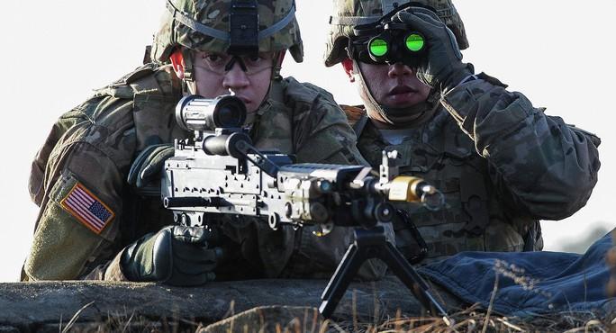 Mỹ và Trung Quốc tăng chi tiêu quân sự, Nga vẫn giảm - Ảnh 1.