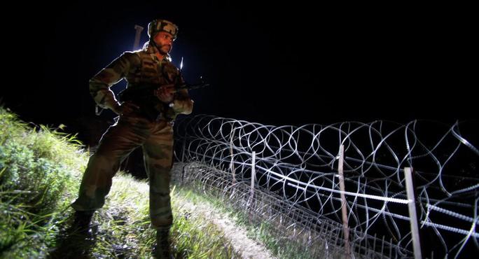 Quân đội Ấn Độ sẵn sàng oanh tạc Pakistan - Ảnh 1.