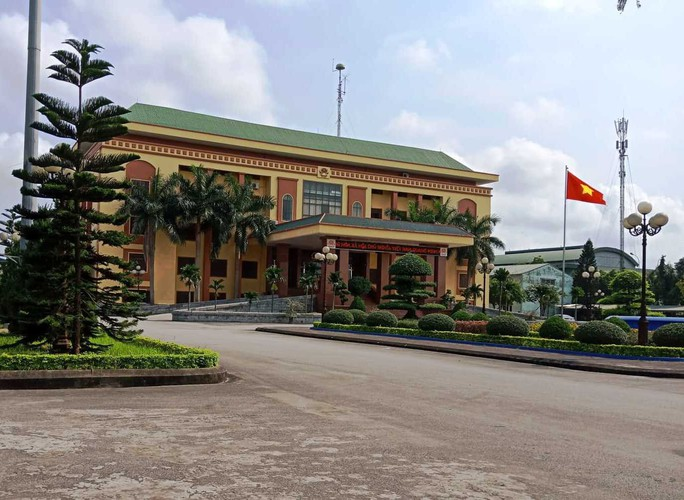Xôn xao thông tin chủ tịch HĐND tỉnh Ninh Bình đi xe biển xanh 80B - Ảnh 3.