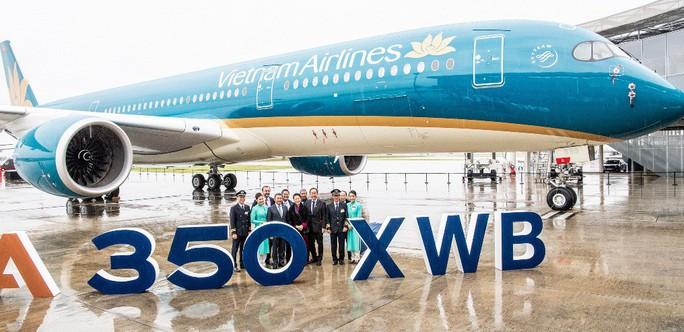 Chủ tịch QH chứng kiến ra mắt siêu máy bay A350-900 của Vietnam Airlines - Ảnh 2.