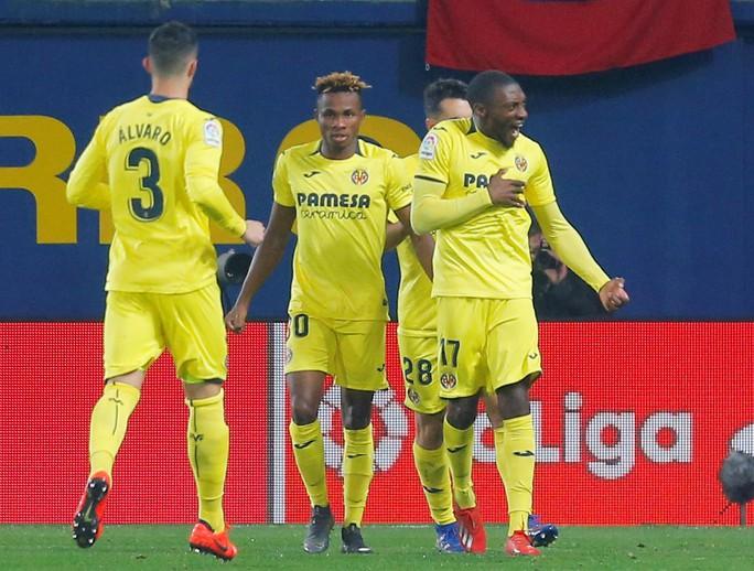 Rượt đuổi tỉ số nghẹt thở, Barcelona suýt trắng tay trước Tàu ngầm vàng - Ảnh 5.