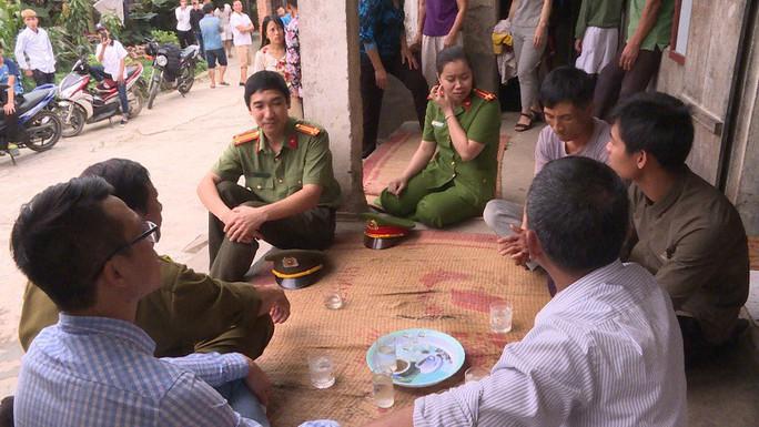 Công an Hưng Yên báo cáo chi tiết vụ nữ sinh lớp 9 bị đánh hội đồng, lột đồ - Ảnh 1.