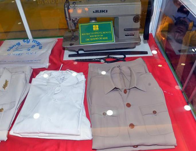 Bộ quần áo đặc biệt bảo vệ thi hài Bác Hồ do Việt Nam sản xuất - Ảnh 2.