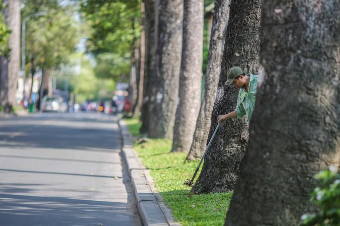 Toàn cảnh đường phố TP HCM ngày 30-4 - Ảnh 12.