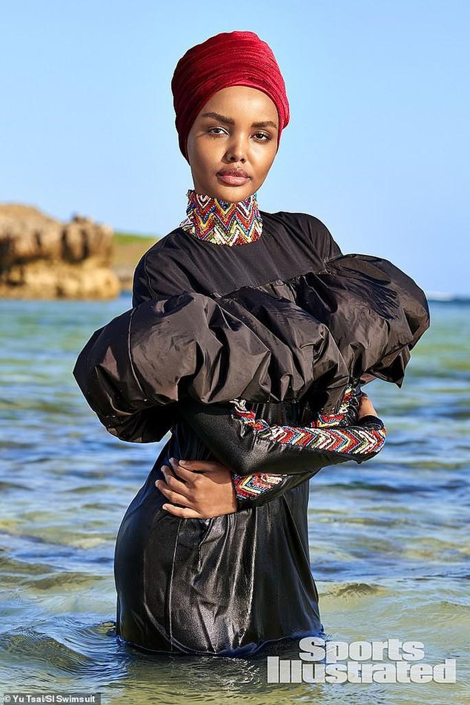 Người mẫu Hồi giáo trẻ làm nên lịch sử - Ảnh 2.