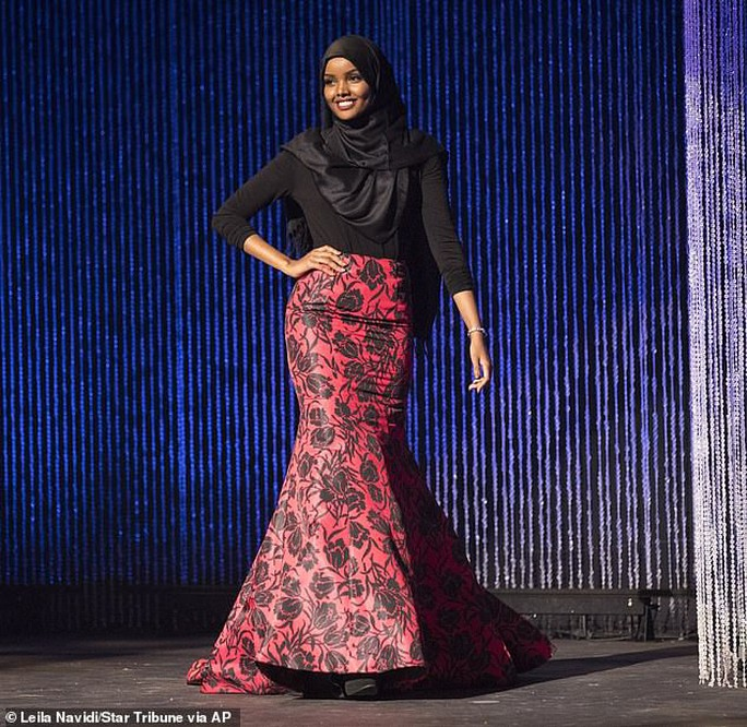 Người mẫu Hồi giáo trẻ làm nên lịch sử - Ảnh 8.