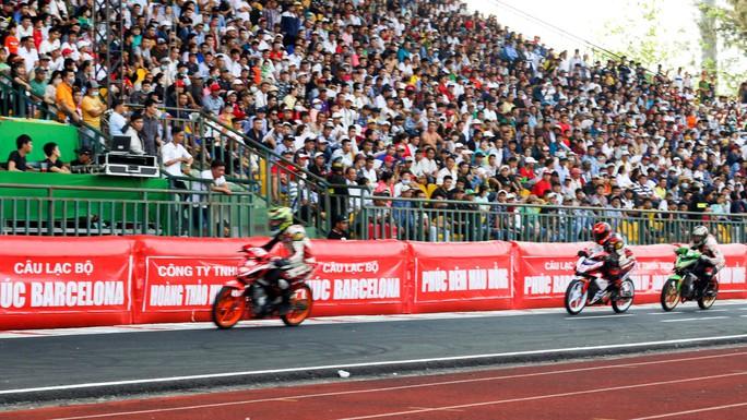 56 tay đua mô tô tranh cúp vô địch quốc gia năm 2019 - Ảnh 2.