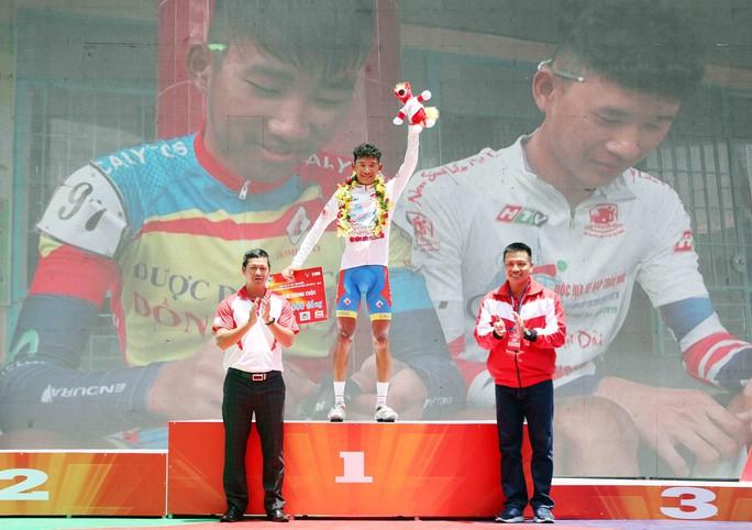 Giải đua xe đạp tranh Cúp Truyền hình: TP HCM hoàn tất cú ăn ba - Ảnh 7.