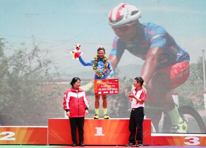 Giải đua xe đạp tranh Cúp Truyền hình: TP HCM hoàn tất cú ăn ba - Ảnh 4.