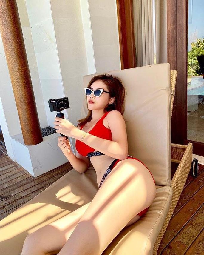 Sao Việt đồng loạt cởi xiêm y, diện bikini - Ảnh 8.