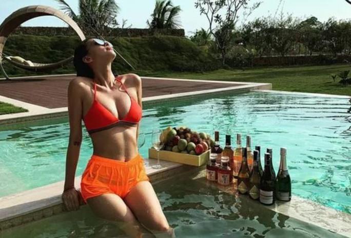 Sao Việt đồng loạt cởi xiêm y, diện bikini - Ảnh 6.