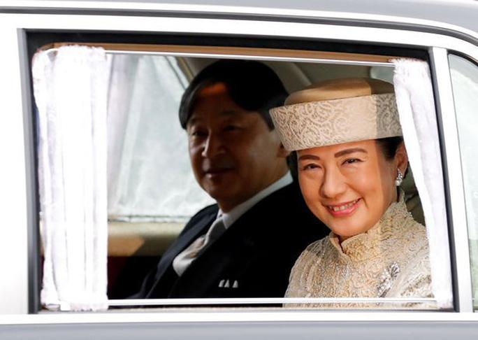 Lễ thoái vị của Nhật Hoàng diễn ra chóng vánh - Ảnh 3.