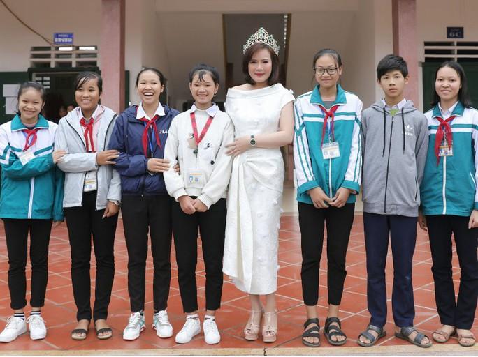 Mrs Vietnam Trần Hiền lên án hành vi đáng xấu hổ của cựu viện phó VKSND TP Đà Nẵng - Ảnh 2.