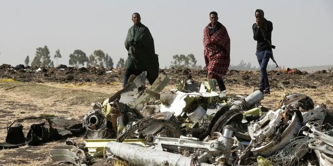 Vụ rơi máy bay Boeing 737 MAX 8 ở Ethiopia: Những chi tiết kinh hoàng - Ảnh 1.