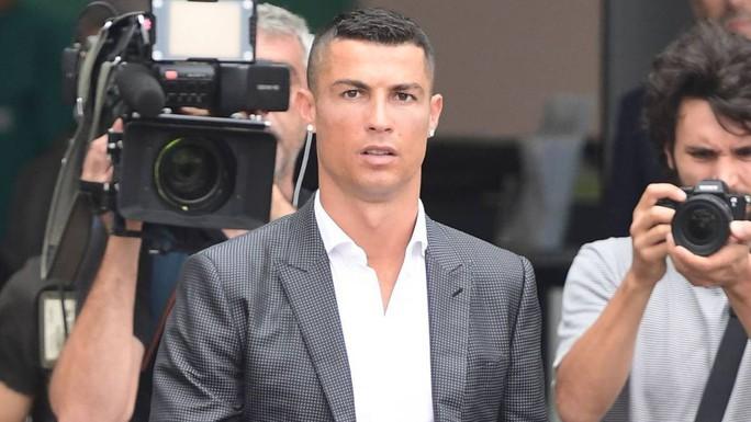 Trốn thuế ở Tây Ban Nha: Ronaldo tiếp tục gặp hạn khi thua kiện Der Spiegel  - Ảnh 1.