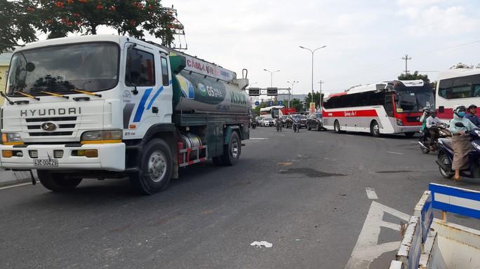 Đà Nẵng: 4 ngày, 4 người chết vì tai nạn liên quan đến xe tải - Ảnh 3.