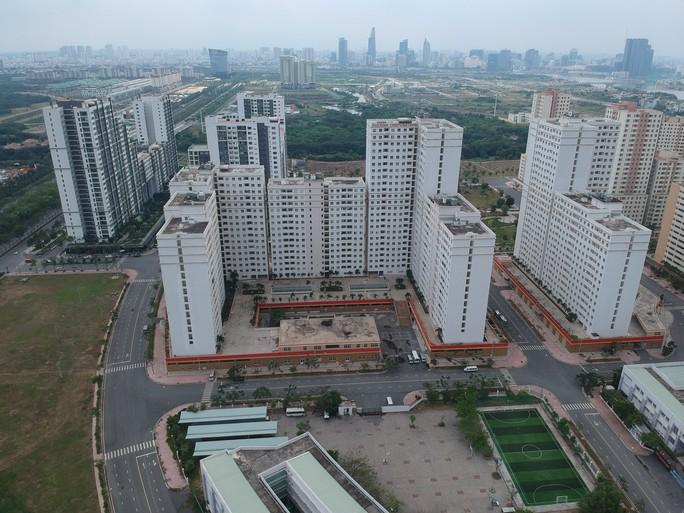 [Video Flycam] Hàng ngàn căn hộ tái định cư bỏ hoang ở TP HCM - Ảnh 4.