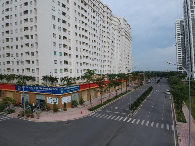 [Video Flycam] Hàng ngàn căn hộ tái định cư bỏ hoang ở TP HCM - Ảnh 10.
