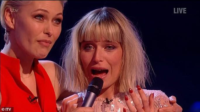 Thí sinh nhỏ tuổi nhất dành ngôi quán quân The Voice UK 2019 - Ảnh 2.