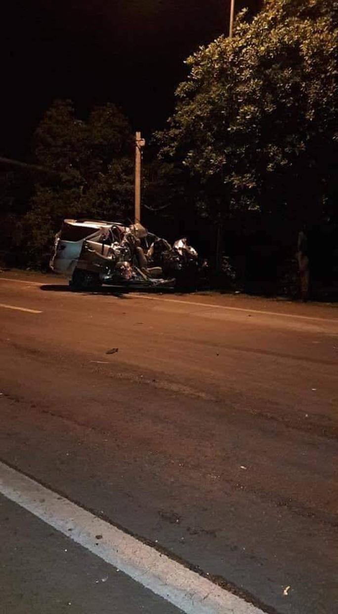 Xe tải tông xe khách trên Quốc lộ 20, 3 người thiệt mạng - Ảnh 1.
